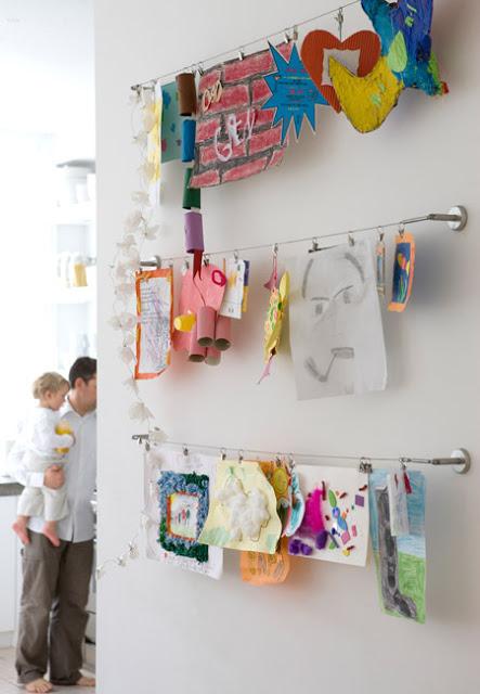 04-kids-creativity-IKEA-curtain-rails-pictures