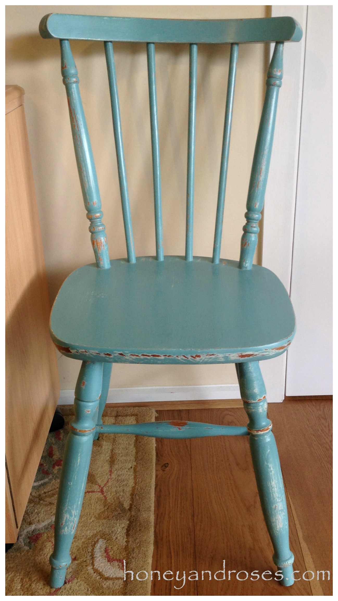 Makeover of a pine kitchen chair using chalk paint honey for Painted kitchen chairs