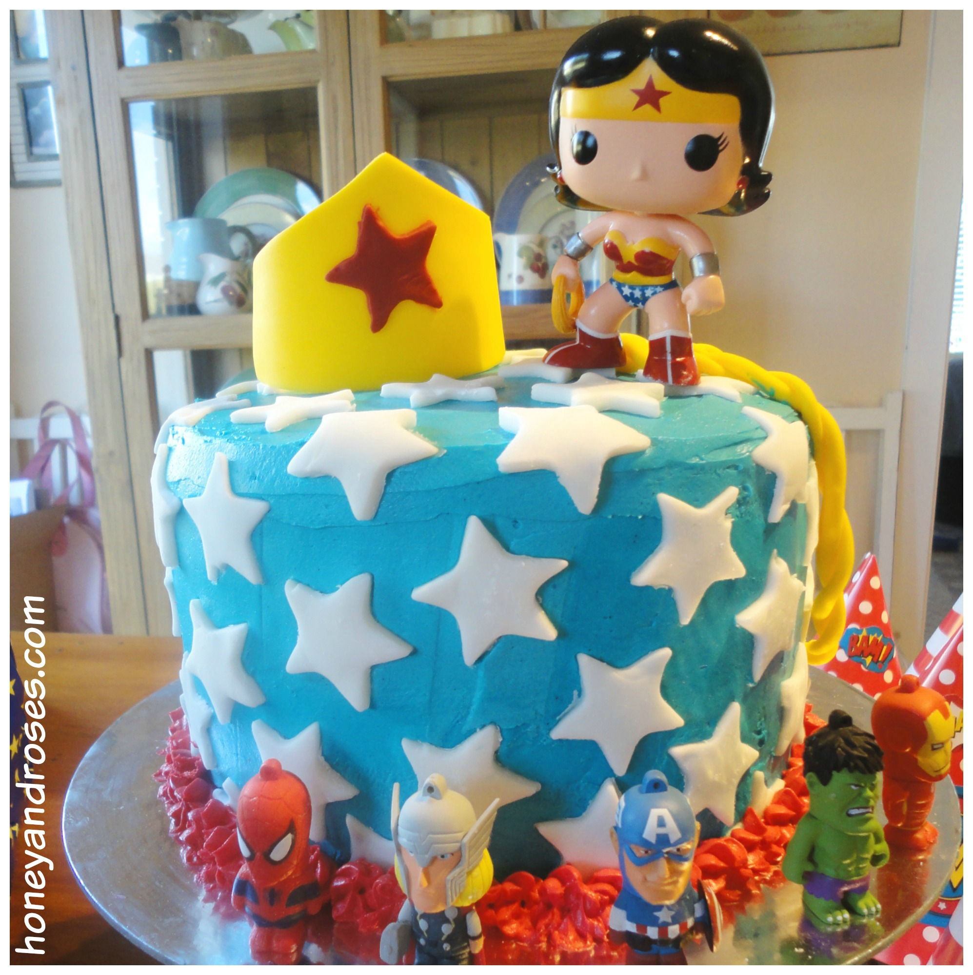 How To Make A Wonder Woman Birthday Cake Honey Roses