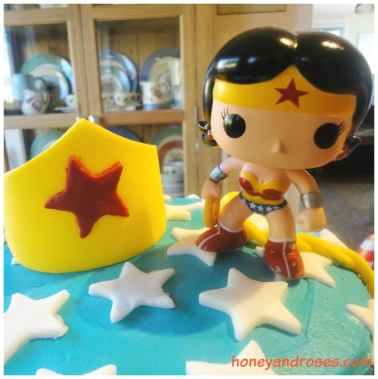 How to make a Wonder Woman Birthday Cake