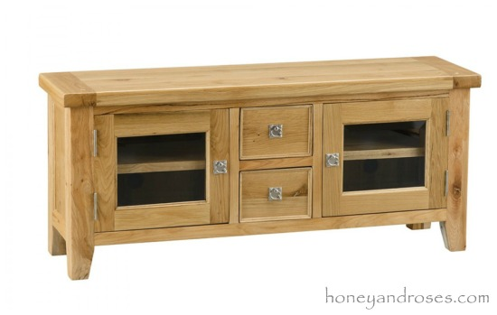 Makeover of a TV Unit with Chalk Paint